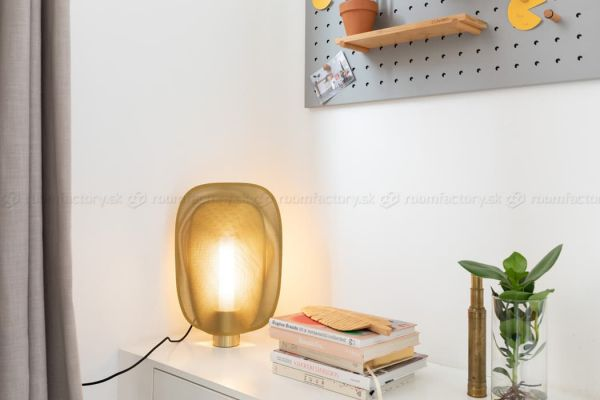 zuiver_mai-table-lamp_roomfactory_01