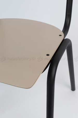 zuiver_back-to-school-matte-chair_roomfactory_Det1