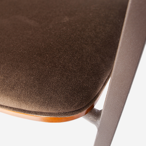 Woood_Clan_dining_chair_velvet_brown_det02